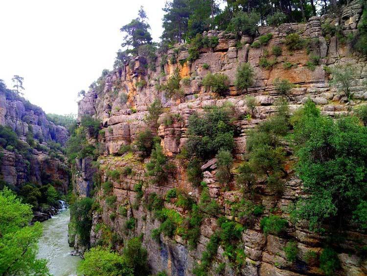 دره عميق پلدار (کورپولو کانيون)